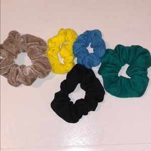 Accessories - Set of Scrunchies